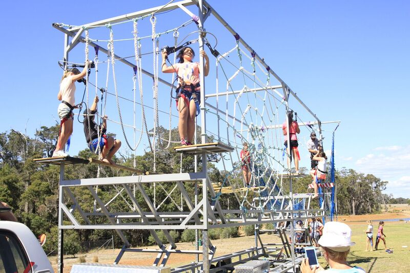 Mobile Rock Climbing Wall Bungee Trampolines High Ropes